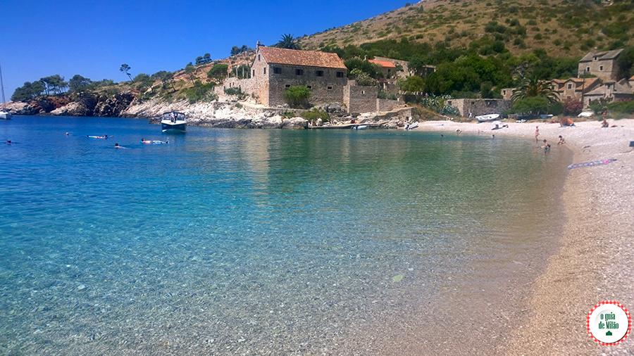 praias mais bonitas de Hvar Croácia