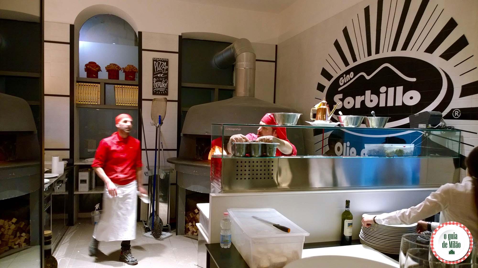 Pizzaria Olio a crudo de Gino Sorbillo em Milão