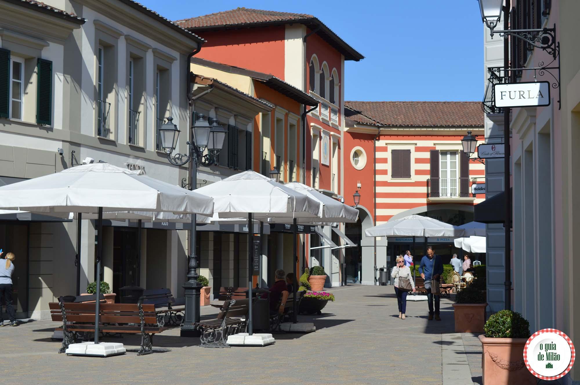 premium selection cf029 825da Serravalle Designer Outlet Scrivia Itália: vale a pena? - O ...