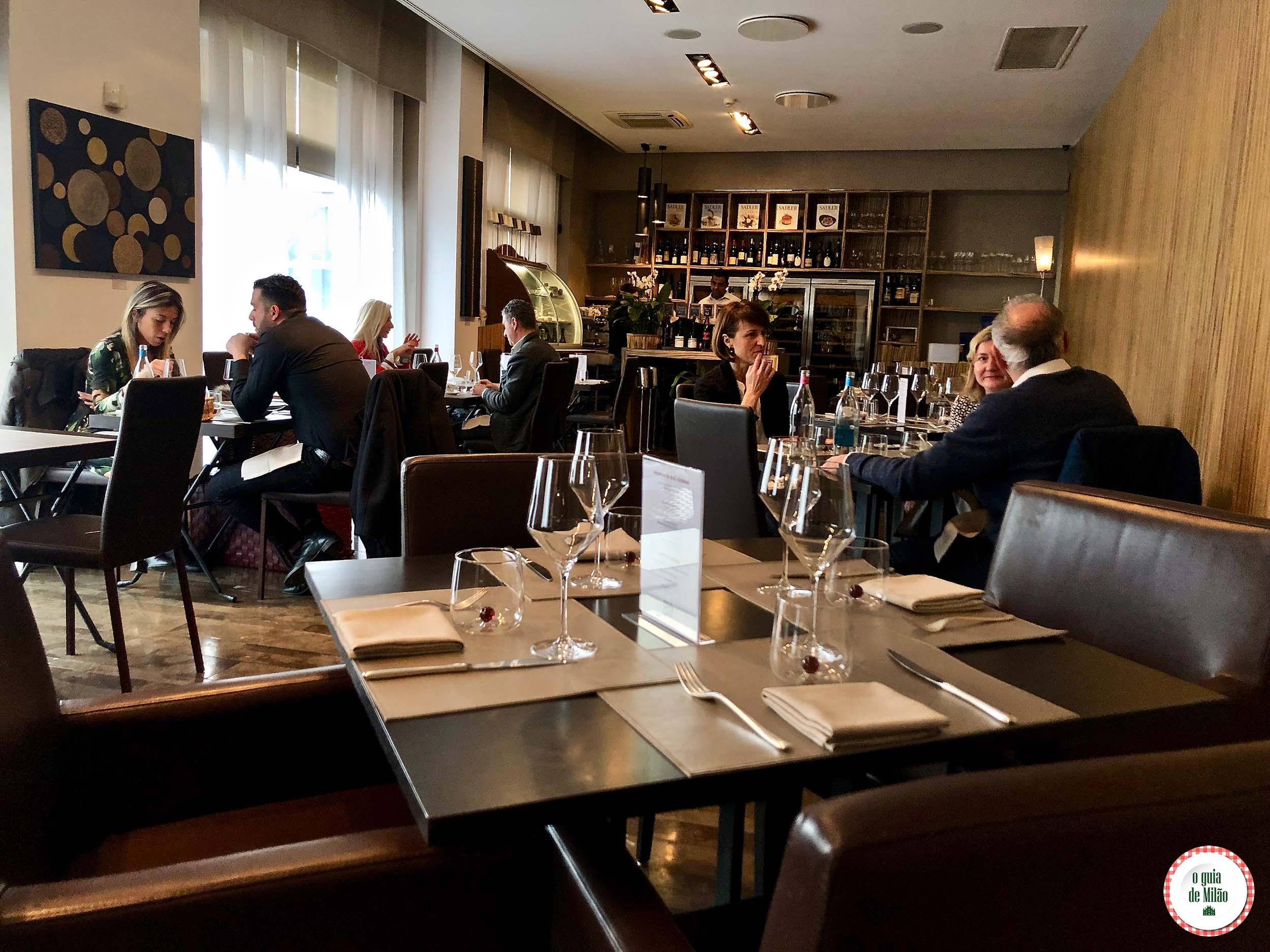 Chic'n Quick: o restaurante econômico do chefe Sadler, 1 estrela Michelin, em Milão